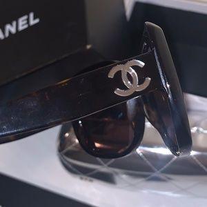 Chanel Amber Brown Tortoise Round Sunglasses 5183